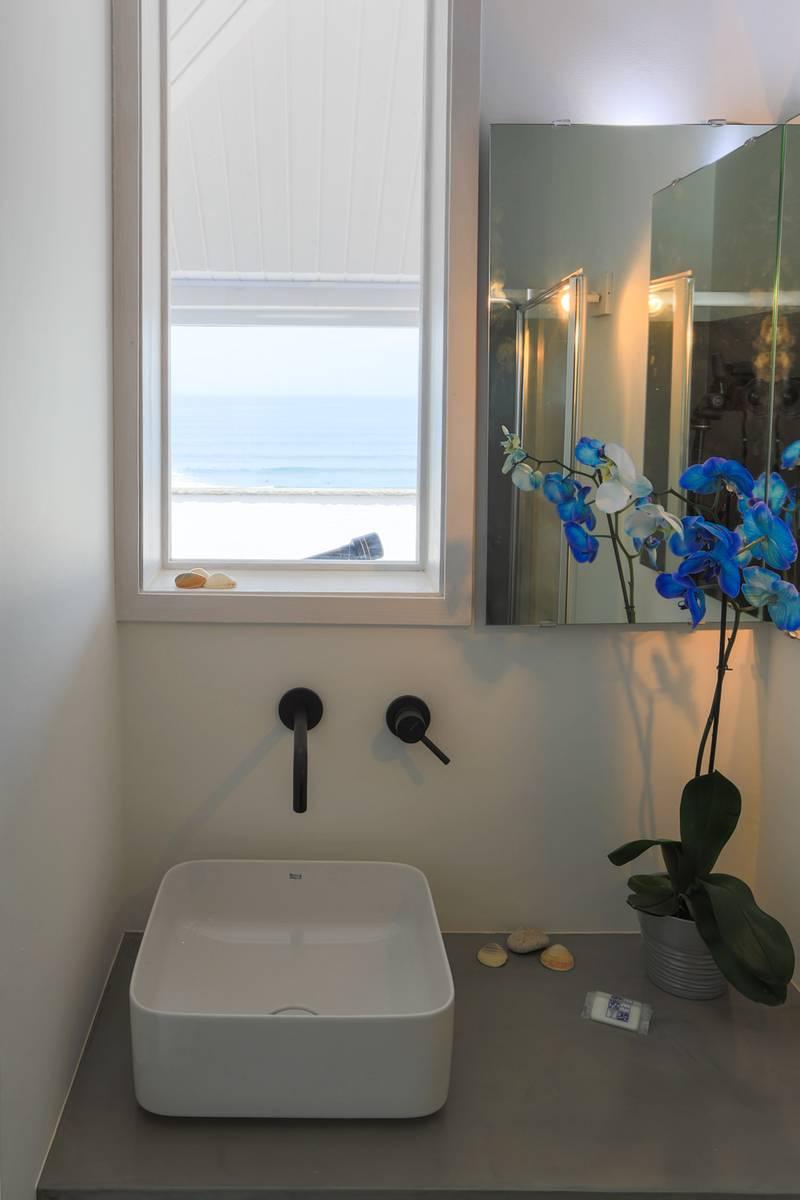 Bathroom view_lightbox