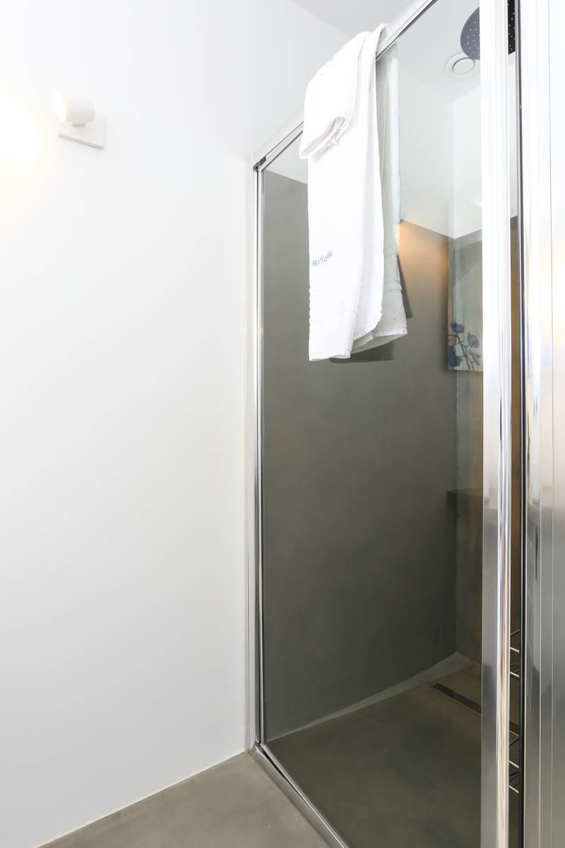 Bathroom2_lightbox